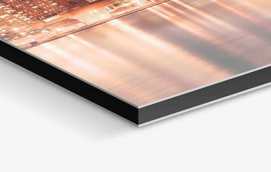 Stampa su alluminio dibond di foto con la tecnica digitale