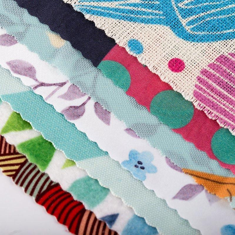 Stampa su ecopelle: tessuti personalizzati con la serigrafia