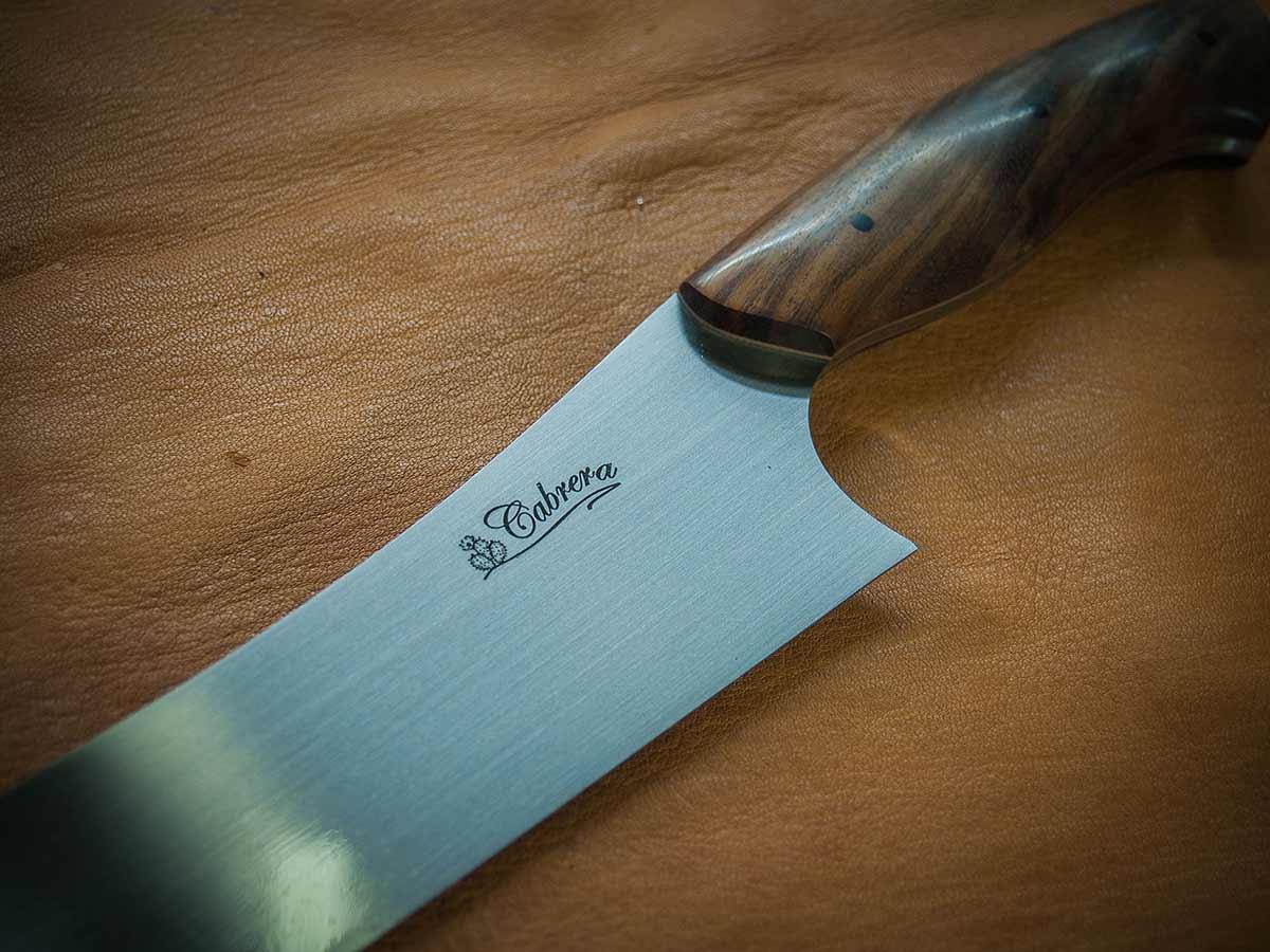 Stampa su coltelli da cucina personalizzati in tampografia