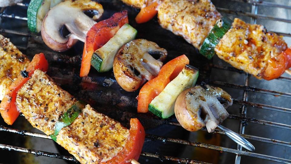 Scampagnata 1 maggio: quale set barbecue da personalizzare?